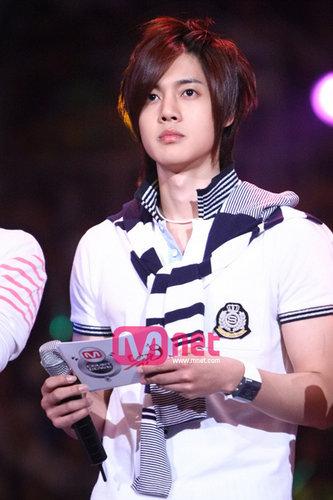 صور المغني/الممثل الكوري hyun joong kimhyunjoong_kjp1.jpg